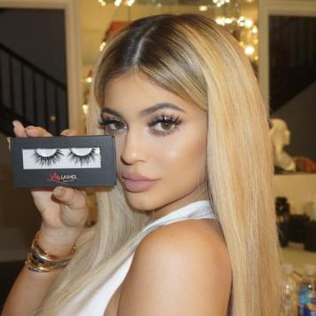 Kylie_Jenner_Lilly_Lashes_large
