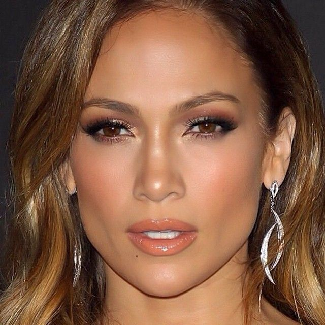 Jennifer Lopez Glowish Makeup